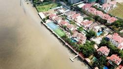 Hành lang bảo vệ sông Sài Gòn bị lấn chiếm, xây dựng không phép. Ảnh: VNN