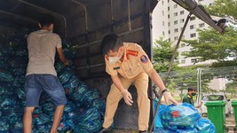Trao tặng 2.000kg rau, củ cho người dân quận Bình Thạnh