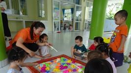 Giáo viên Trường Mầm non 2-9, huyện Hóc Môn trong hoạt động lên lớp