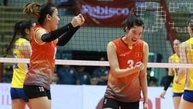 """""""Song Thúy"""" Đinh Thị Thúy và Trần Thị Thanh Thúy giờ đây là chỗ dựa của đội tuyển nữ. Ảnh: THIÊN HOÀNG"""