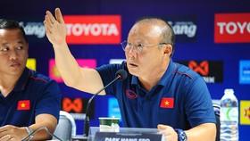 HLV Park Hang-seo nổi giận trong phòng họp báo chiều 4-9. Ảnh: DŨNG PHƯƠNG