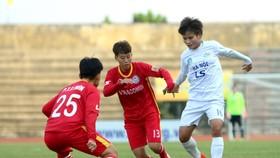 Đội Hà Nội vươn lên thứ 3 sau chiến thắng trước TKS.Việt Nam. Ảnh: Anh Trần