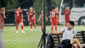 HLV Tan Cheng Hoe thừa nhận thua tâm phục trước đội tuyển Việt Nam. Ảnh: MINH HOÀNG