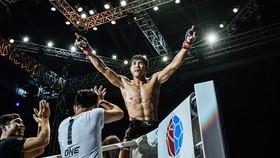 Võ sĩ Nguyễn Trần Duy Nhất từng xuất hiện lần đầu ở ONE Championship hồi tháng 9.