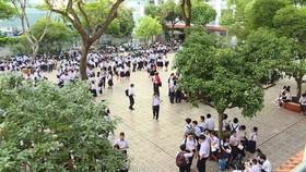 Hơn 82.000 học sinh TPHCM bước vào kỳ thi lớp 10