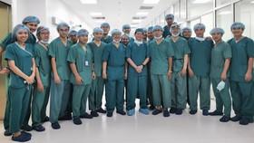 UBND TPHCM thưởng 100 triệu đồng cho ekip phẫu thuật Trúc Nhi - Diệu Nhi