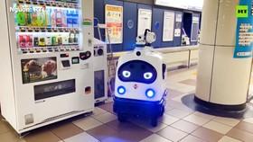Thế giới thời Covid-19: Robot diệt khuẩn làm việc thay con người