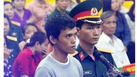 Bị cáo Trịnh Tấn Vinh trong phiên tòa lưu động sáng 27-6-2017.