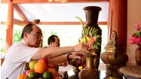 Đồng chí Nguyễn Thiện Nhân làm việc  với tỉnh Cà Mau