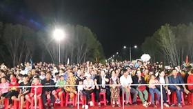 Người dân Đất Mũi ủng hộ tuyển U22 Việt Nam