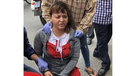 Đối tượng Nguyễn Thị Dung bị bắt quả tang khi tàng trữ ma túy đá. Ảnh: HOÀNG GIANG