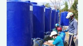 Bàn giao công trình cấp nước ngọt miễn phí cho người dân vùng hạn mặn Cà Mau