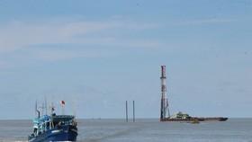 Cửa biển Gành Hào giáp ranh hai tỉnh Cà Mau và Bạc Liêu
