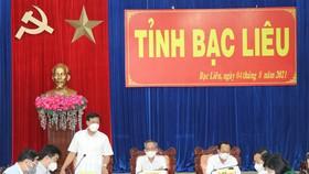 Thứ trưởng Bộ Y tế Đỗ Xuân Tuyên, phát biểu tại buổi làm việc với Ban chỉ đạo phòng, chống dịch Covid-19 tỉnh Bạc Liêu