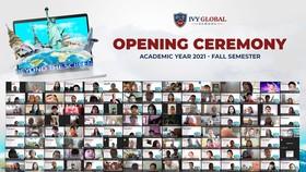 Buổi lễ khai giảng kỳ mùa thu là sự kiện đặc biệt trong năm nhằm kết nối các học sinh đang theo học chương trình trực tuyến đến từ nhiều khu vực