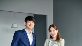 Ông Neo Zhizhong và bà Alicia Cheong, 2 nhà đồng sáng lập Geniebook
