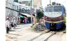 Thủ tướng: Lập lại trật tự hành lang đường bộ, đường sắt, không có vùng cấm