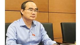 """Bí thư Thành ủy TPHCM Nguyễn Thiện Nhân: Nên miễn học phí THCS """"vì không đáng bao nhiêu"""""""