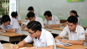 Để thí sinh dự kỳ thi 2019 yên tâm, Bộ GD-ĐT nên sớm công bố phương án thi cũng như đề thi minh họa