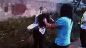 Xử nghiêm nhóm học sinh lột quần áo, đánh hội đồng một nữ sinh