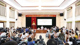 Bộ GD-ĐT họp báo chiều 27-6