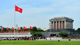 Thi hài Chủ tịch Hồ Chí Minh sau 50 năm đang được giữ gìn rất tốt  