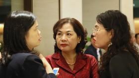 Bà Nguyễn Thị Hồng (giữa). Ảnh: QUANG PHÚC