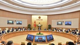 Thủ tướng Nguyễn Xuân Phúc chủ trì phiên họp Chính phủ thường kỳ tháng 11. Ảnh: VGP