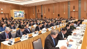 Các đại biểu dự hội nghị Chính phủ sáng 28-12