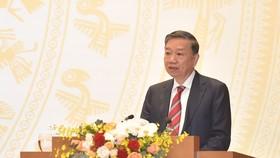 Bộ trưởng Tô Lâm: Trung bình mỗi ngày có hàng trăm người xuất, nhập cảnh trái phép qua đường bộ