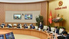 Thủ tướng Nguyễn Xuân Phúc chủ trì cuộc họp trực tuyến với Ban Chỉ đạo quốc gia về phòng chống dịch Covid-19