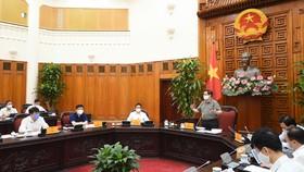 Thủ tướng Chính phủ chủ trì họp Chính phủ về công tác phòng, chống dịch Covid-19. Ảnh: VGP