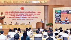 Phiên họp trực tuyến toàn quốc của Chính phủ với các địa phương sáng 11-8. Ảnh: VIẾT CHUNG