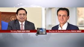 Thủ tướng Chính phủ Phạm Minh Chính điện đàm với Tổng Giám đốc Tập đoàn AstraZeneca Pascal Soriot. Ảnh: VGP