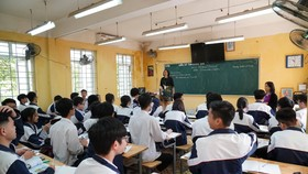 Bộ GD-ĐT lưu ý, ưu tiên dạy học trực tuyến đối với các nội dung mang tính lý thuyết. Ảnh: VIẾT CHUNG
