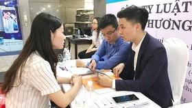 Đại học Luật TPHCM công bố tỷ lệ cử nhân có việc làm