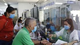 Công chức TPHCM giảm thu nhập tăng thêm nhằm chia sẻ người dân lúc phòng, chống dịch Covid-19
