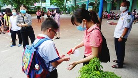 TPHCM chi thu nhập tăng thêm cho giáo viên làm việc lúc phòng, chống dịch Covid-19