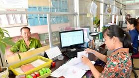 Sở Nội vụ TPHCM đề xuất chấm điểm, trả thu nhập tăng thêm cho công chức dựa vào kết quả công việc