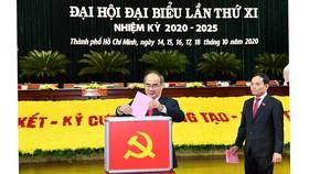 Bỏ phiếu bầu Ban Chấp hành Đảng bộ TPHCM khóa XI