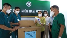 Chủ tịch HĐND TPHCM Nguyễn Thị Lệ: Không bao giờ quên những đóng góp to lớn của các y bác sĩ