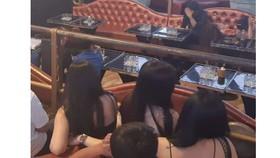 Đột kích quán bar V8 Club phát hiện cả khách và nhân viên dương tính với ma túy
