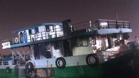 Cháy tàu chở xăng 1.000 tấn, 2 người chết, 1 người mất tích
