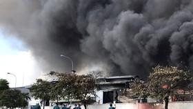 Cháy lớn trong khu công nghiệp ở Đồng Nai