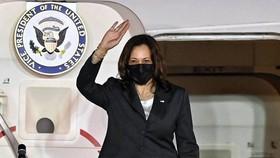 Phó Tổng thống Hoa Kỳ Kamala Harris đến Hà Nội, bắt đầu chuyến thăm Việt Nam