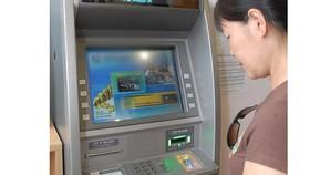 Vietnam State bank orders stop ATM fee hike