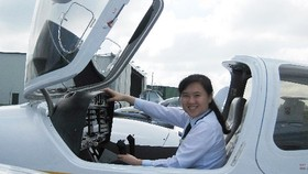 33 year old girl becomes first VNese female captain of Jetstar Pacific
