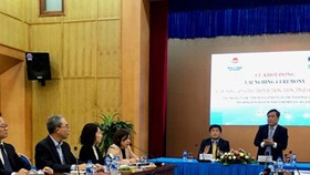 Deputy Minister Vu Dai Thang delivered his speech in the launching ceremony