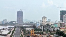 Buildings under construction in central Da Nang city (Photo: VNA)