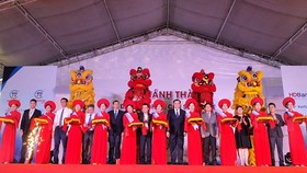 Ribbon-cutting ceremony for first electronic component factory in Da Nang City
